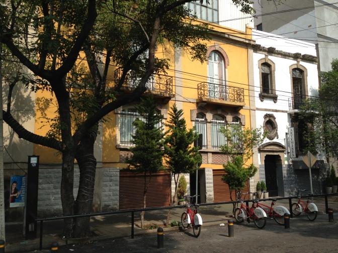 Roma street scene
